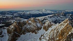 İtalyan Alplerindeki uçak ve helikopter kazası: 7 ölü