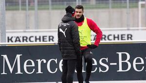 Stuttgart, zorlu Bayern deplasmanında Ozan Kabak...