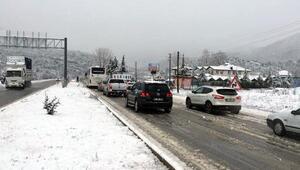 Kar, Antalya- Konya yolunda ulaşımı aksatıyor