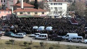 Ankarada kazada ölen 6 genç, son yolculuğuna uğurlandı