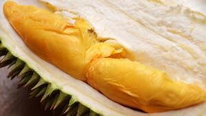 Ortalama ücretin 3 katına satılan meyve Endonezyada olay oldu