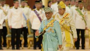 Malezyanın yeni kralı görevine başladı