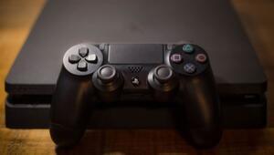 Meyve tartısı etiketi yapıştırdığı PlayStation 4ü 9 euroya aldı