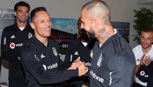 Adriano: Başka bir takımla ön protokol imzalayabilirim
