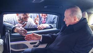 Cumhurbaşkanı Erdoğan minibüsçüleri görünce durdu... Bu dosyayı verdiler