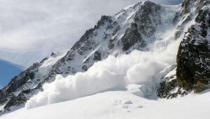 Fransız Alpleri'nde felaket: Onlarca kayakçı çığ altında kaldı 1 ölü, 2 yaralı