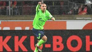 Genç gurbetçiden Schalke 04e 3 yıllık imza