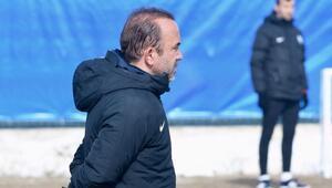 """Mehmet Özdilek: """"Özgür hocanın yönettiği maçı sabaha kadar oynasak kazanamazdık"""""""