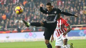 Beşiktaşta Adriano yolcu