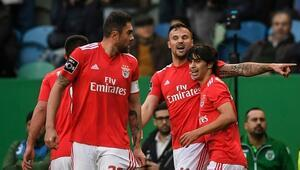 Benfica aldı başını gidiyor