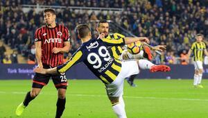 Fenerbahçede karar zamanı Soldado ve Valbuena...