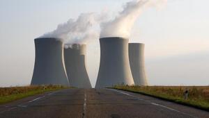 Petrol zengini Suudi Arabistan 2 nükleer santral kuruyor