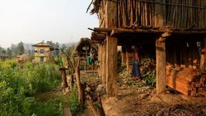 Nepal'de 'âdet kulübesinde' ateş yakan kadın hayatını kaybetti
