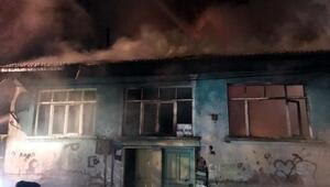 7 kişilik ailenin yaşadığı ahşap ev yandı