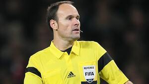 Bir keresinde El Clasicoda 11 sarı kart çıkarmıştı Lahozun karnesi...