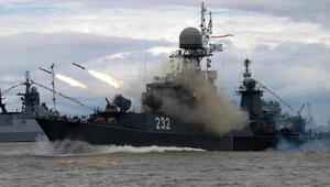 Rus donanmasından Karadenizde tatbikat