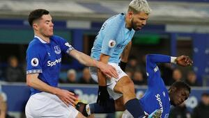 Manchester City maç fazlasıyla lider