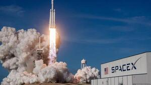 SpaceX personel taşıyıcı mekiği için test tarihini belirledi