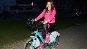 Sahilde bisiklet turu