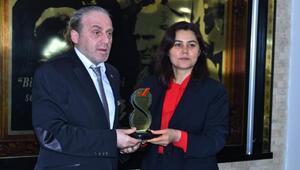Başkan Yardımcısı Atılgana Kamusal Mevzuat Ödülü