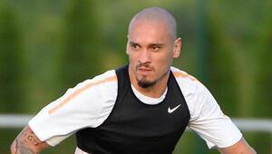 Galatasaraydan Al-Nassra transfer olan Maicon, İstanbuldan ayrıldı