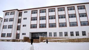 Çelikhan'da 16 derslik ortaokulu hizmete açıldı