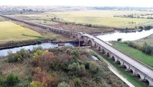 Çatlaklar oluşan tarihi Uzunköprü için koruma talebi