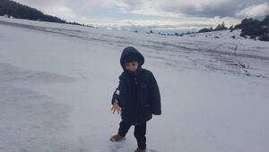 Kırkağaçta kar yağışı