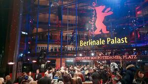 Berlin'e kırmızı kuşatma