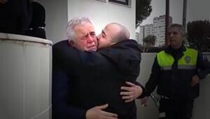 Baba ve oğlun ağlatan kavuşması