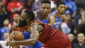 Westbrook, Chamberlaini yakaladı Oklahoma, Houstonı devirdi...