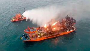 Kerç Boğazında yanan gemiler söndürülemedi