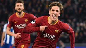 Roma, avantajı 2 golle kaptı