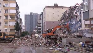 Kartalda 10 katlı Yunus Apartmanının yıkımı sürüyor