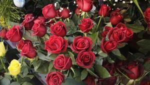 Çiçek satışı üç kat artıyor