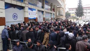 Şanlıurfada Suriyelilerin Avrupaya gönderileceği söylentisi izdihama neden oldu