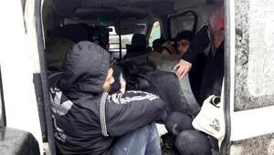 Hatayda 2si çocuk 12 mülteci yakalandı