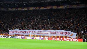 Galatasaray taraftarından anlamlı pankartlar