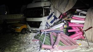 13 aracın karıştığı kazada araçta sıkışan sürücü 3 saatte kurtarıldı