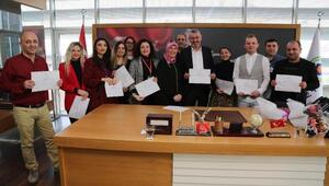 Belediye çalışanlarına işaret dili eğitimi