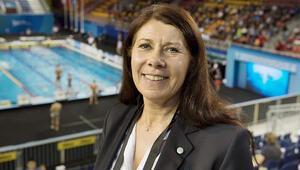 İsveç'te başörtülü sporcu istemeyen federasyon başkanı görevden alındı