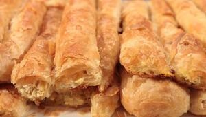 Boşnak böreği nasıl yapılır Pırasalı Boşnak böreği tarifi