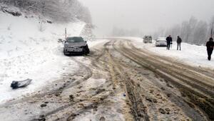 Kırklarelinde kar yağışı etkisini arttırdı