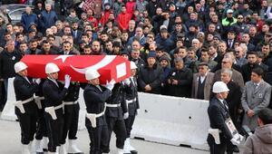 Şehit polis için hüzünlü tören
