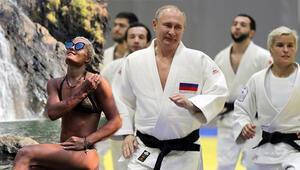 Dünya Putini nakavt eden kadını konuşuyor
