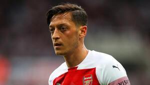 Unai Emeryden şok talep Mesut Özil...