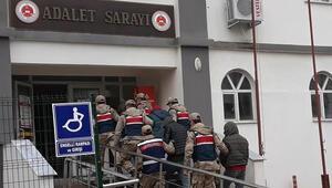 Aralarında askerler de var...  Suçüstü yakalandılar