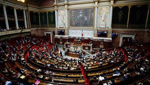 Fransa anne ve baba terimlerini Ebeveyn 1 ve Ebeveyn 2 olarak değiştirecek