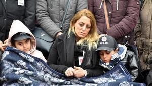 Rehine operasyonunda şehit olan polis memuru, gözyaşlarıyla uğurlandı