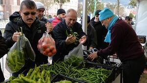 Bursa'da tanzim satış noktaları vatandaşlardan büyük ilgi görüyor